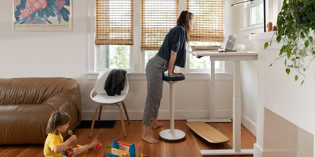 benefit of standing desk